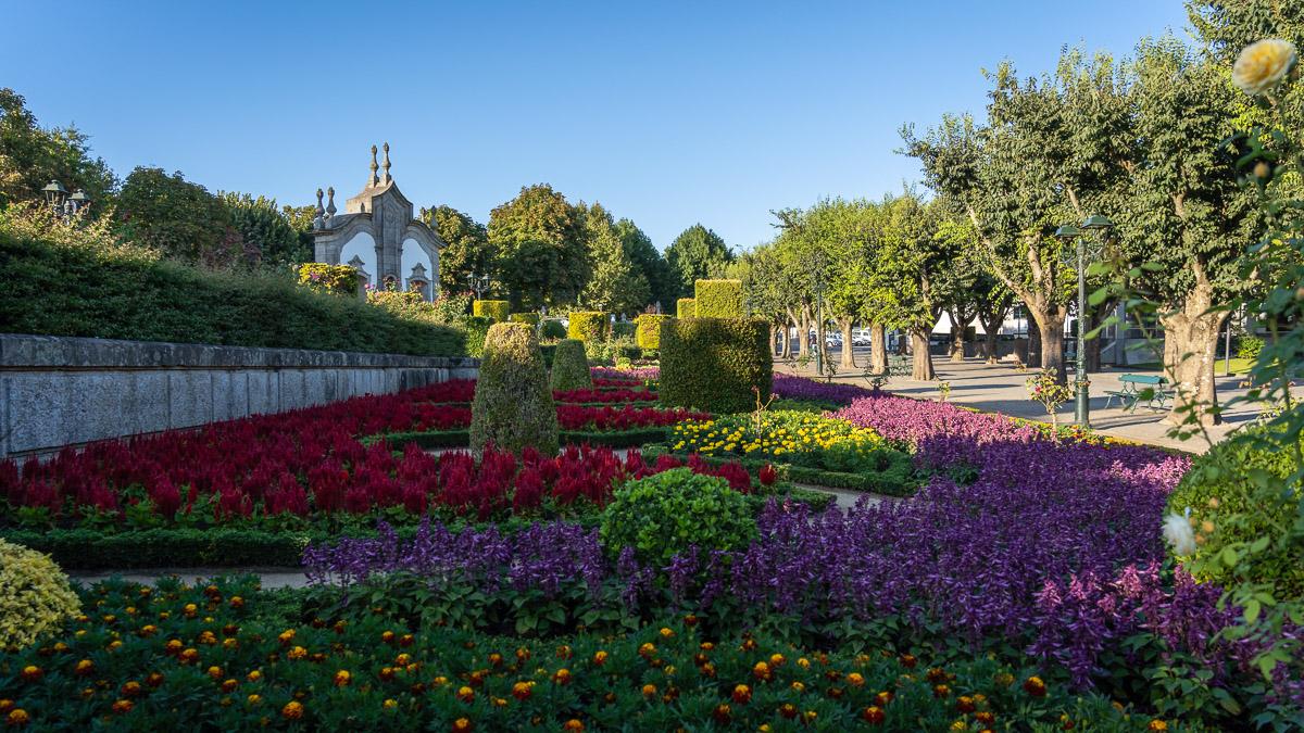 Stadtpark: Blumenmeer in Barcelos