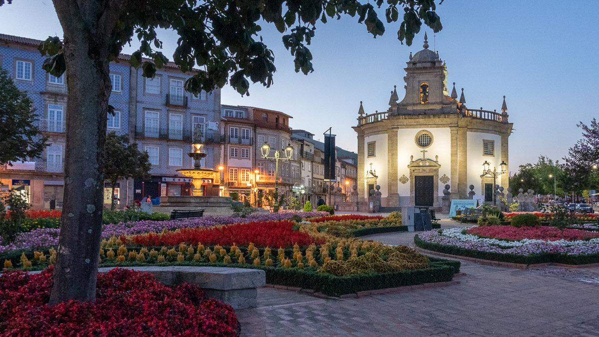 Barcelos: der berühmte Hahn und die bunte Stadt