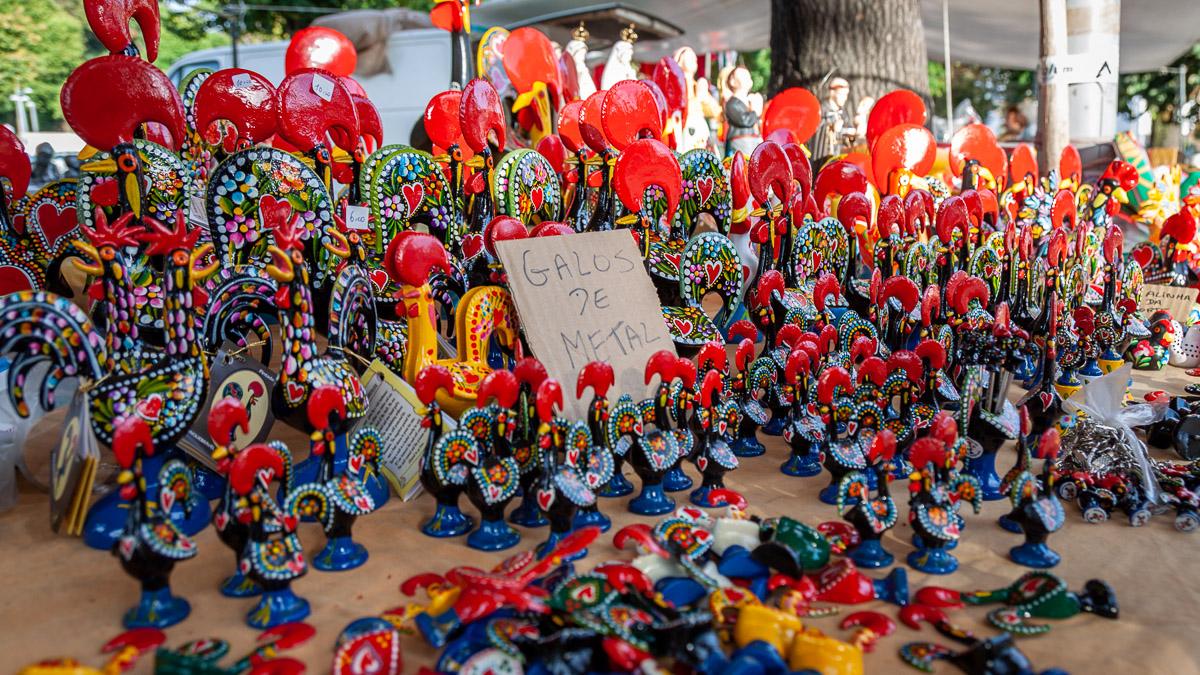 Wochenmarkt in Barcelos mit Galos